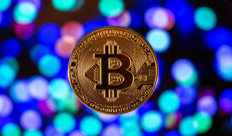 Bitcoin rallies to one-week high after Visa pilots crypto transactions