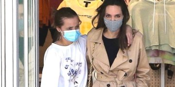 Vivienne Jolie-Pitt, 12, Embraces Angelina On Mother-Daughter Shopping Trip In Hollywood – Pic