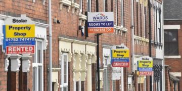 UK property: Homes up by £15k during lockdowns
