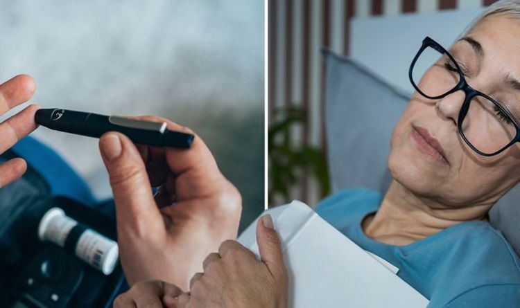 Diabetes type 2: Three symptoms that require you to call 999 'straight away' – pharmacist