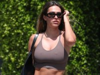 Amelia Hamlin Looks Unfazed After Mom Lisa Rinna Disapproves Of Scott Disick Romance