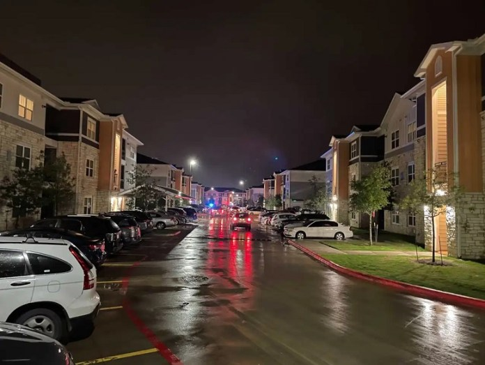 shooting at southeast Austin apartment complex
