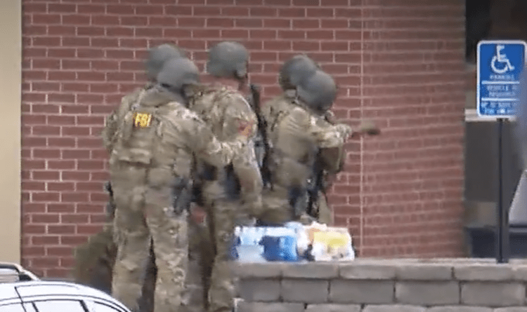 Wells Fargo: Bank robbers take hostages at Minnesota branch – FBI standoff ongoing