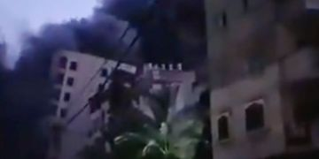 Israeli airstrike makes 13-story building collapse as raid sirens go off– locals evacuated