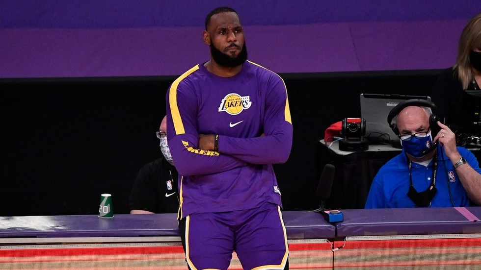 LeBron as Lakers star says 'someone should be fired' for NBA