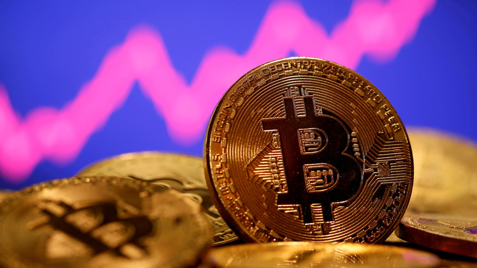 Cryptocurrencies lose nearly $280 BILLION in value after bitcoin drops below $40,000