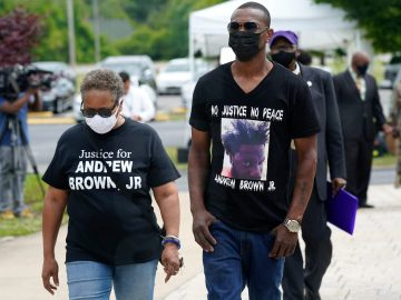 Mourners Gather for Funeral of Andrew Brown Jr.