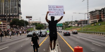 Protesters who obstruct emergency vehicles could face felony charges under bill advanced in Texas House