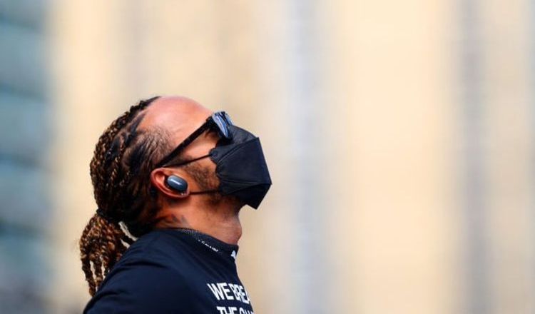 Mercedes given wildcard in hunt for new Lewis Hamilton team-mate
