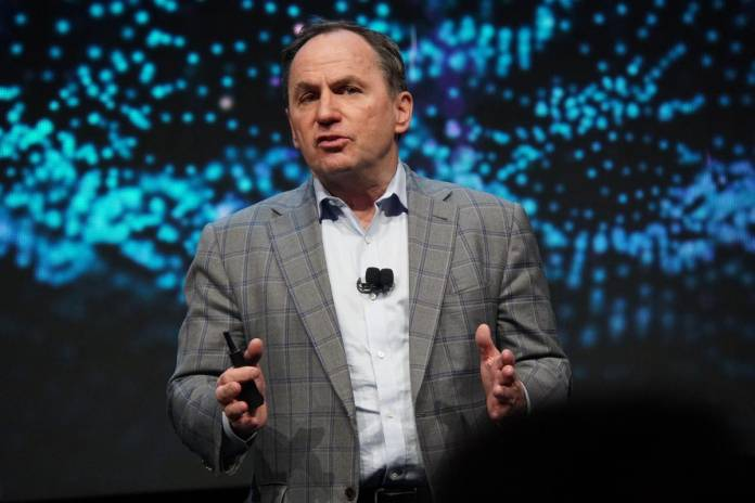 Andreessen Horowitz hires former Intel CEO Bob Swan as Growth Operating Partner; Bob Swan stepped down from Intel in February (Angel Au-Yeung/Forbes)