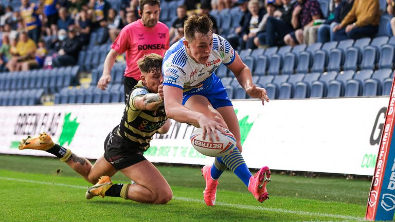 Leeds confirm Agar will remain at Rhinos in 2022