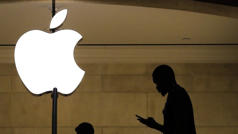 Apple defends new photo scanning child protection Tech