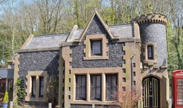 Medieval lovers rejoice! Mini Gothic castle now available Romantic stay at Dover