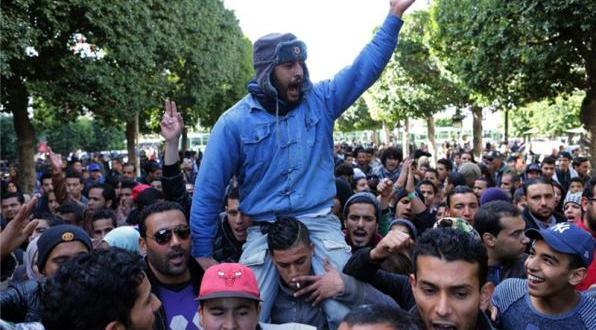 tunisians protest over returning jihadists