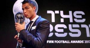 Cristiano ronaldo wins fifa male player award