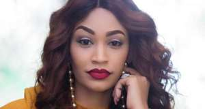 Zari Hassan Now Posting Simultaneously With Hackers