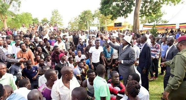 museveni supports private investors