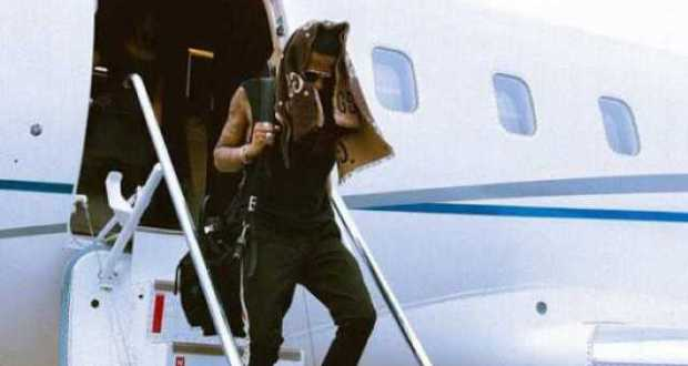 Wizkid Pops In Uganda Alongside His Crew Using Private Jet