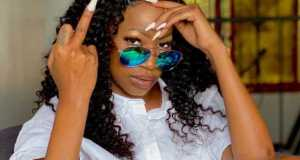 Sheebah Karungi Shows A 'Middle Finger' To Haters