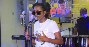 singer Azawi