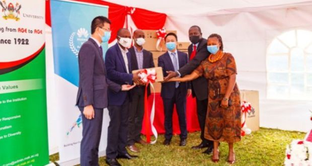 Huawei Technologies donates ICT equipments to Makerere