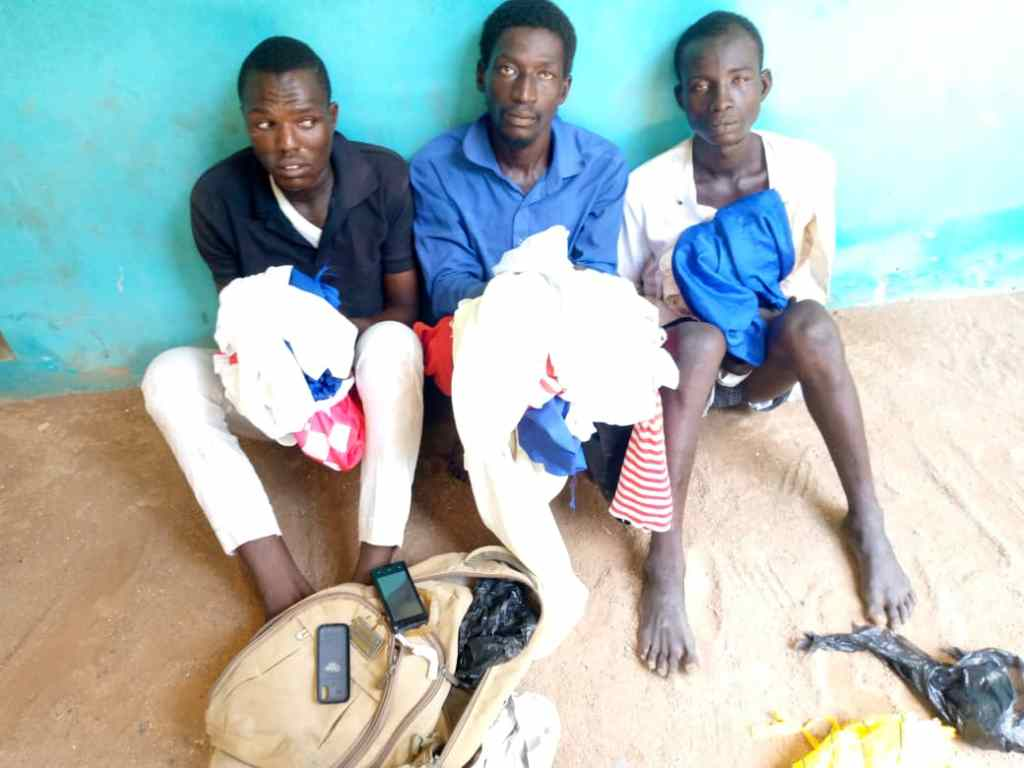 Police Arrest 3 Suspected Armed Robbers, Recovers Handsets, Others