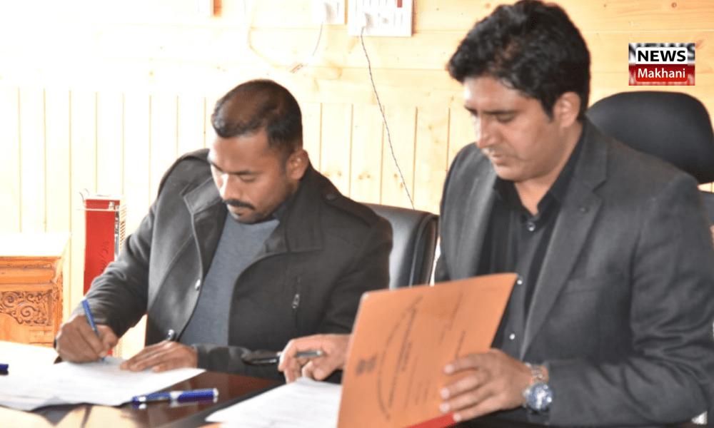 Santosh Sukhadeve assumes charge as DC /CEO LAHDC Kargil
