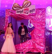 Dr Mandeep Kaur, Founder Chairman of Sendmygift.com cutting the ribbon