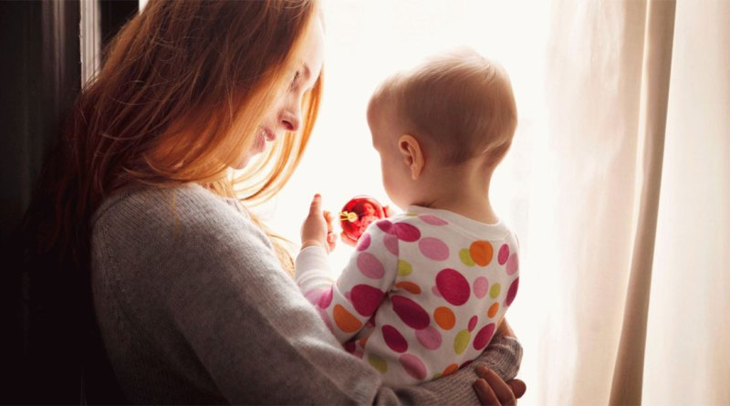Ежемесячные выплаты по уходу за ребенком до 1,5 лет с 2018 года - о чем речь