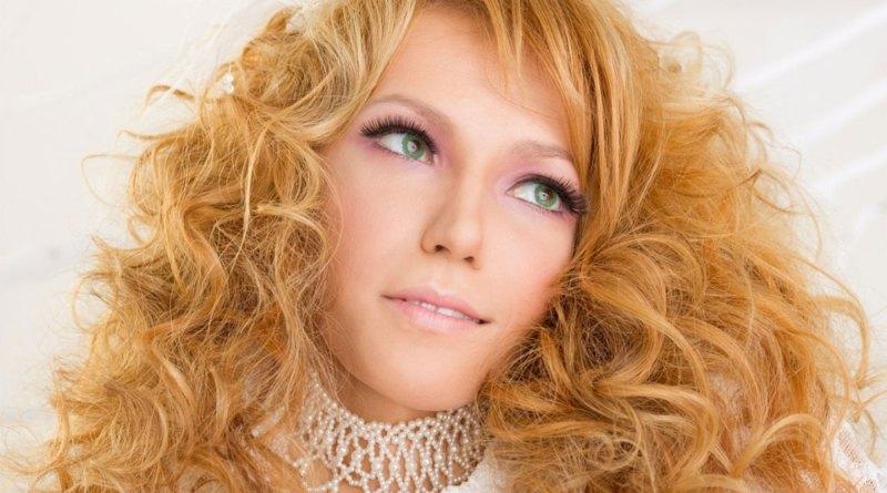 Первый канал объявил, что Юлия Самойлова представит России на конкурсе Евровидение-2018 с песней I Won't Break