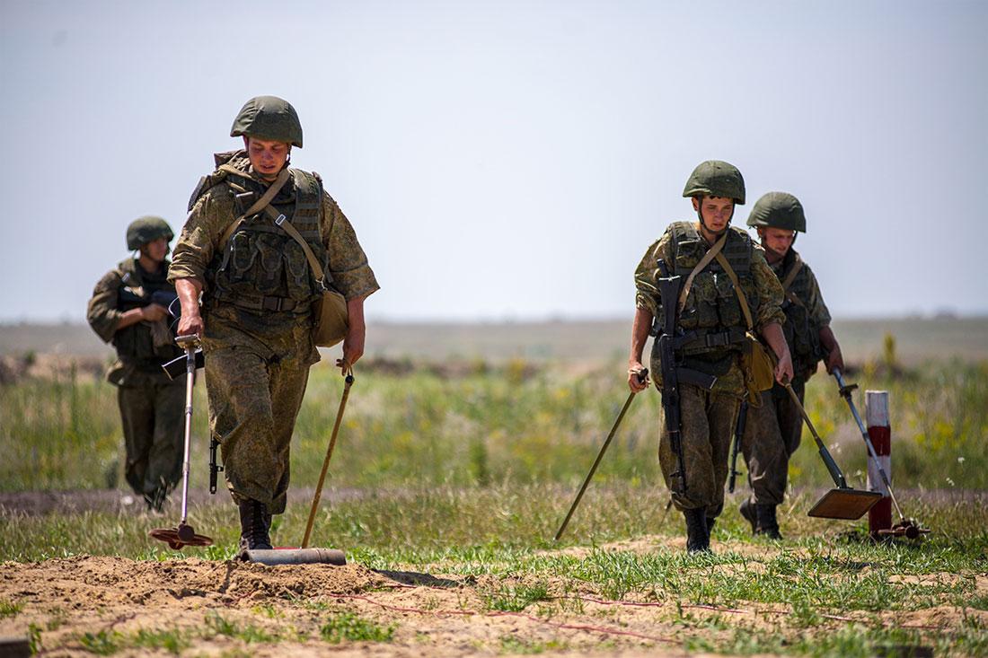 До скольки лет военнообязанные мужчины в россии