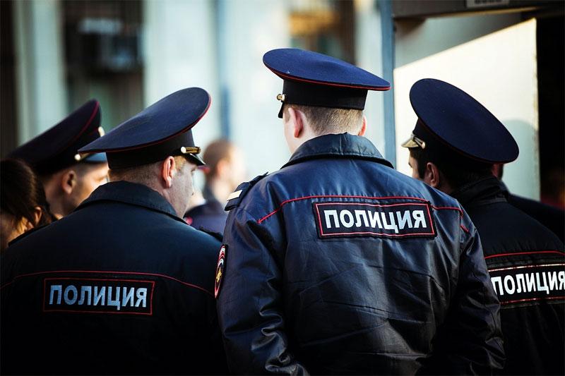 Российским полицейским разрешили выезжать на отдых в Турцию и Таиланд