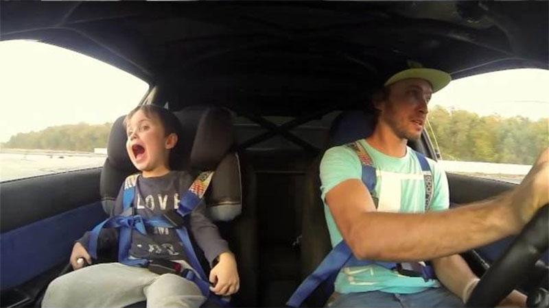 Со скольки лет можно ездить на переднем сидении автомобиля