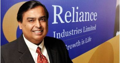 Mukesh Ambani earns 7 crore every hour
