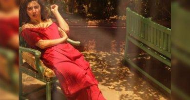 Beautiful photo of Mahira Khan in red dress goes viral