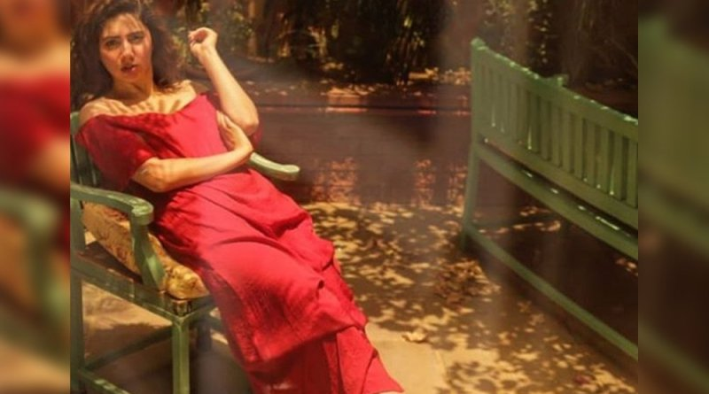 Beautiful photo of Mahira Khan in red dress goes viral
