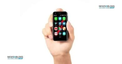 The world's smallest 4G Android smartphone
