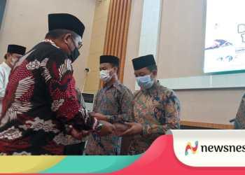 Walikota Gorontalo Marthen Taha melepas sekaligus memberikan motivasi kepada peserta kafilah STQH di tingkat Provinsi Gorontalo.