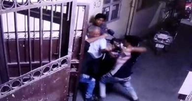 दिल्ली में बुजुर्ग से लूट