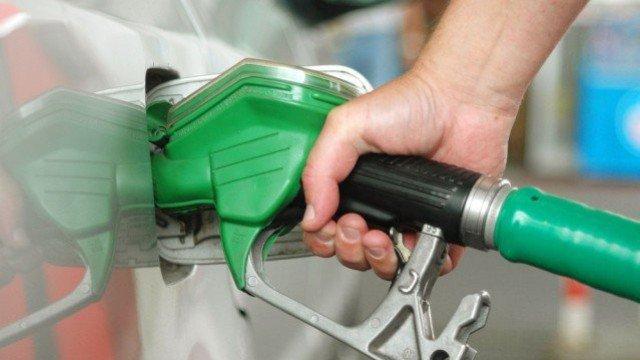 देश में तेल के दाम बढ़े
