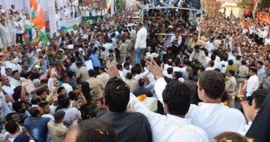 जबलपुर में राहुल गांधी का रोड शो