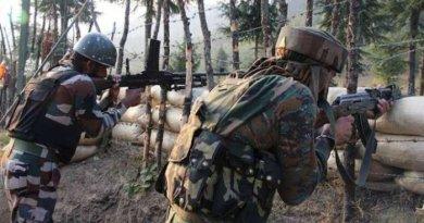 जम्मू-कश्मीर में पुलवामा जिले के खारपुरा में मुठभेड़ में सुरक्षा बलों ने 3 आतंकियों ढेर कर दिया है।