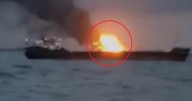 रूस के दो जहाजों में आग