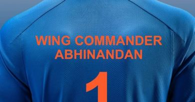 टीम इंडिया ने एक टी-शर्ट जारी की जिसपर विंग कमांडर अभिनंदन का नाम लिखा है।
