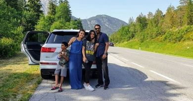 फिल्म अभिनेत्री काजोल परिवाक के साथ रोड ट्रिप पर निकलीं। फैमिली ट्रिप पर गए काजोल और अजय देवगन बच्चों के साथ पोज देते नजर आए।