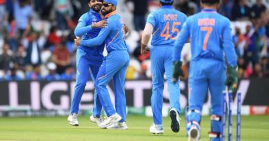 भारत ने श्रीलंका को 7 विकेट से हराया