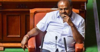 कर्नाटक का सियासी नाटक अभी भी खत्म नहीं हुआ है। गुरुवार को विधानसभा में कुमारस्वामी सरकार के विश्वास मत पर बहस हुई।