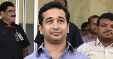 महाराष्ट्र के पूर्व सीएम और राज्यसभा सांसद नारायण राणे के बेटे और विधायक नितेश राणे को पुलिस ने गिरफ्तार कर लिया है।