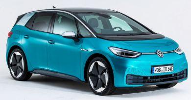 कार बनाने वाली कंपनी Volkswagen ने अपनी पहली इलेक्ट्रिक कार ID.3 से पर्दा उठा दिया है। Volkswagen I.D 3 इलेक्ट्रिक कार तीन वेरियंट में उपलब्ध होगी।