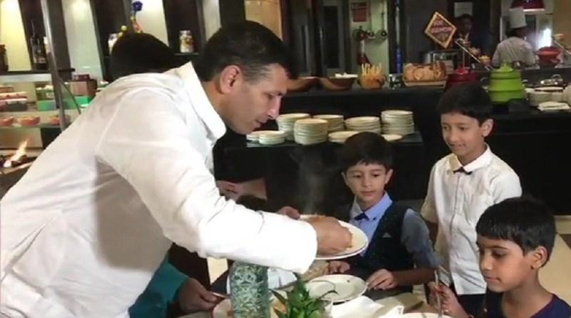 जीतू पटवरी ने गरीब बच्चों पांच सितारा होटल में खिलाया खान